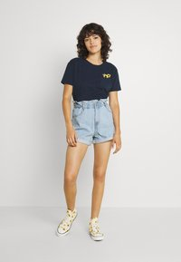 Gina Tricot - PAPERBAG - Jeans Shorts - pale blue - 1