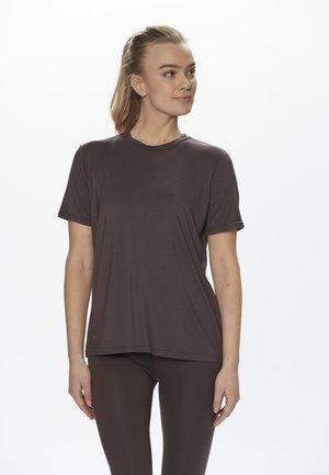 FUNKTION - Basic T-shirt - deep shale