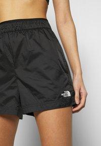 The North Face - WOMEN'S ACTIVE TRAIL BOXER SHORT - Korte sportsbukser - black - 4