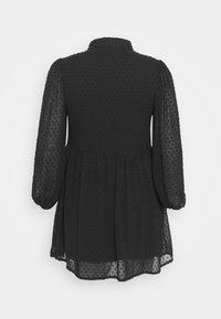 Missguided Plus - DOBBY SPOT SMOCK DRESS - Robe chemise - black - 1