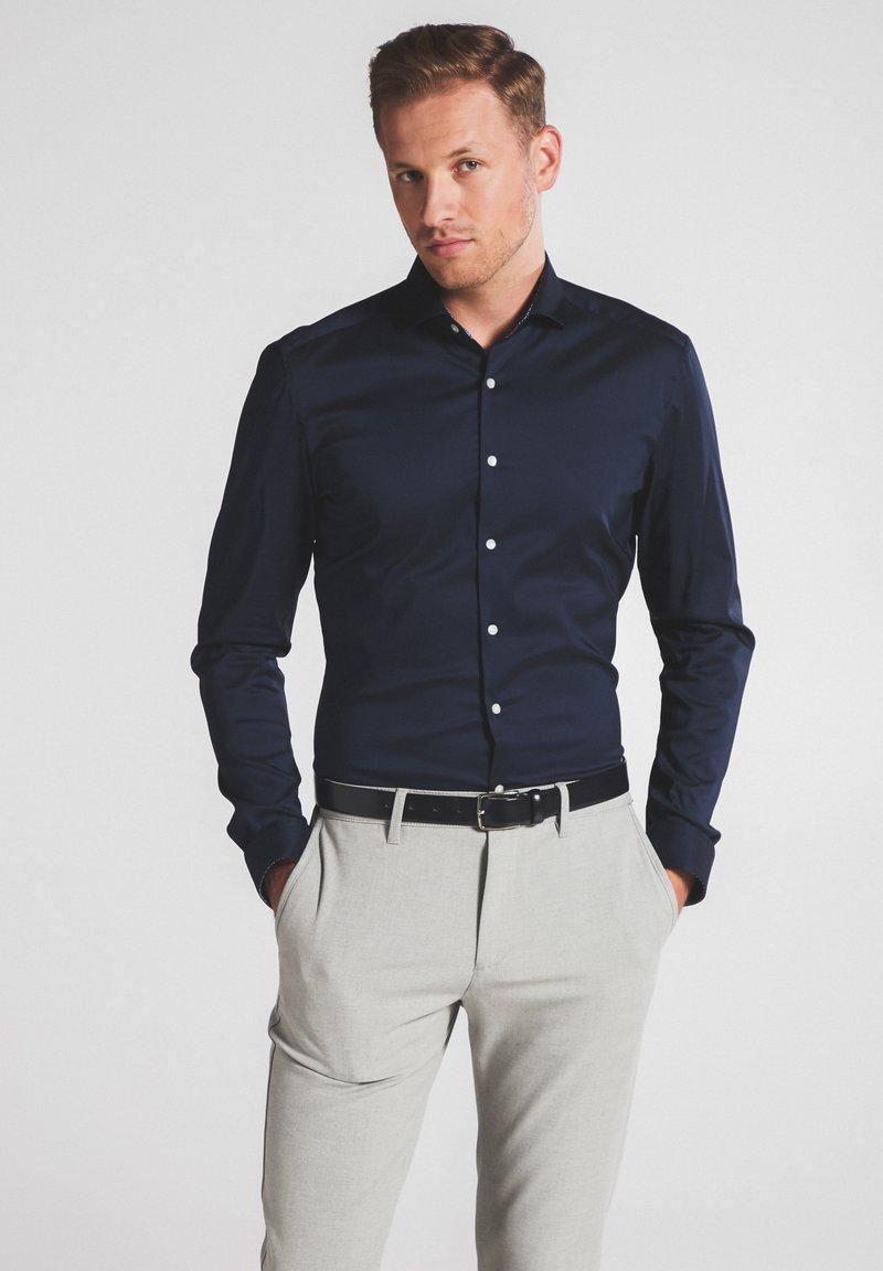 Eterna - SUPER-SLIM - Formal shirt - marine