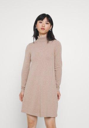 VMHAPPINESS ROLLNECK DRESS - Jumper dress - tobacco brown
