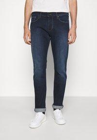 Emporio Armani - Slim fit jeans - denim blu - 0