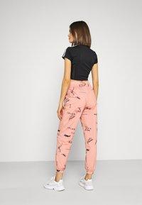 adidas Originals - TRACK PANT - Spodnie treningowe - trace pink - 2