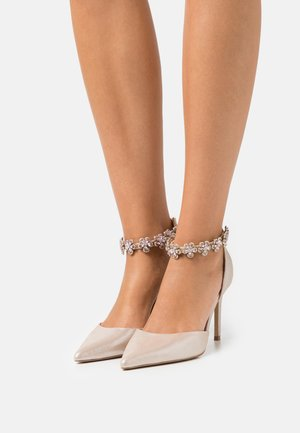 DELILAH - Classic heels - metallic