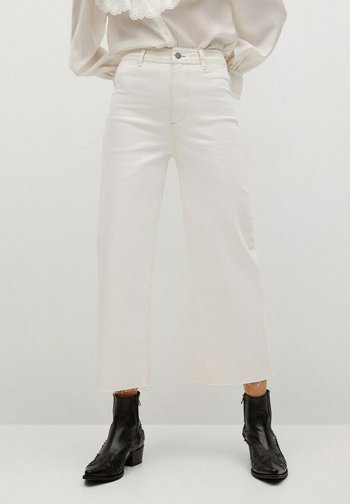 CATHERIN - Flared Jeans - gebroken wit