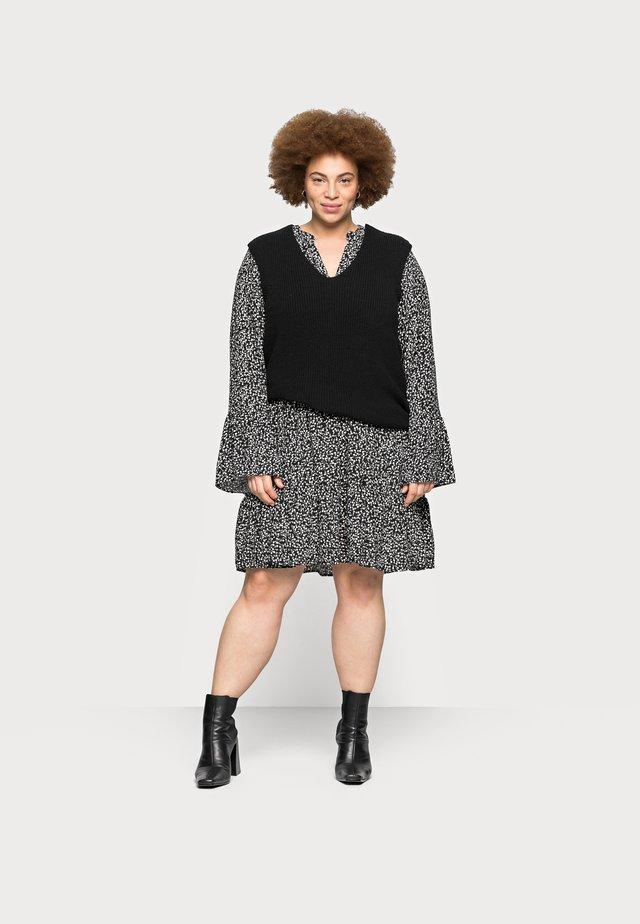 CARPARIS LIFE - Sweter - black