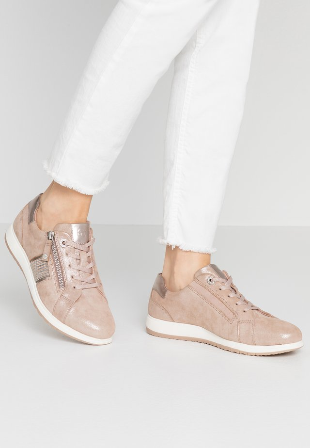 LACE-UP - Matalavartiset tennarit - rose pearl