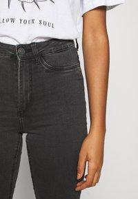 Noisy May - NMCALLIE - Jeans Skinny Fit - dark grey denim - 5
