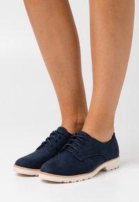 Dorothy Perkins Wide Fit - WIDE FIT LUSH LOAFER - Zapatos de vestir - navy - 0