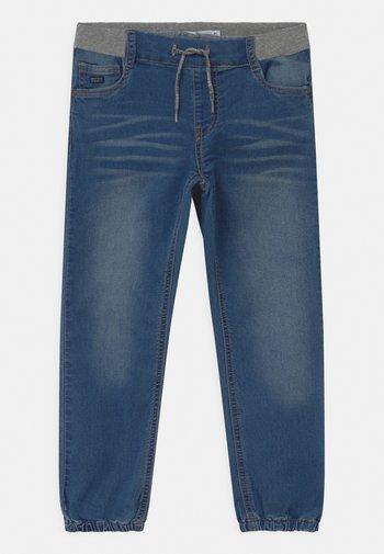 NMMBOB  - Relaxed fit jeans - medium blue denim