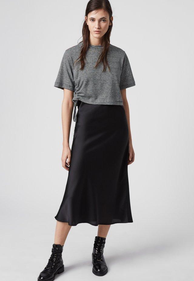 BENNO LIN STRIPE TEE - Robe d'été - black