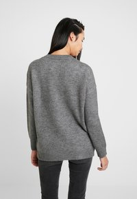 ONLY - ONLANNA - Strikkegenser - medium grey - 2