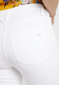 Ivy Copenhagen - FRIDA - Straight leg jeans - white - 5