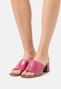 Hash#TAG Sustainable - Heeled mules - orchidea - 0