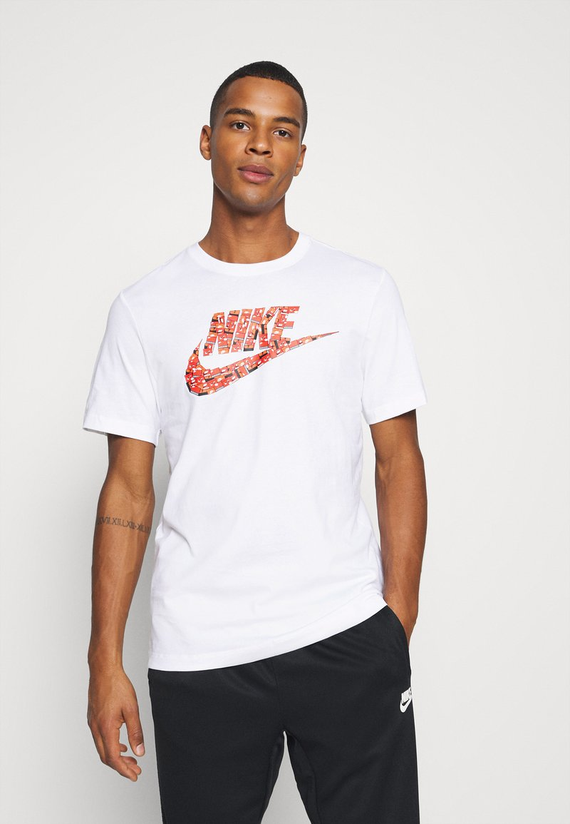 Nike Sportswear - TEE FUTURA SHOEBOX - Camiseta estampada - white