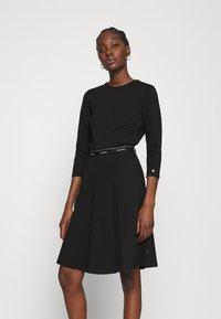 Calvin Klein - MILANO DRESS - Žerzejové šaty - black - 0