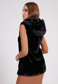 Guess - Waistcoat - schwarz - 2