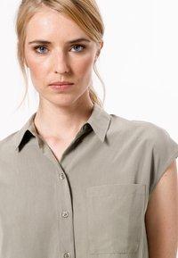zero - Button-down blouse - sage - 3