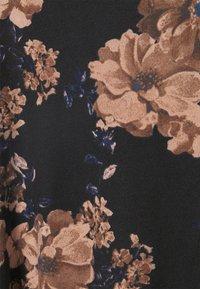 ONLY - ONLELCOS EMMA HOOD - Hoodie - black/flower - 6