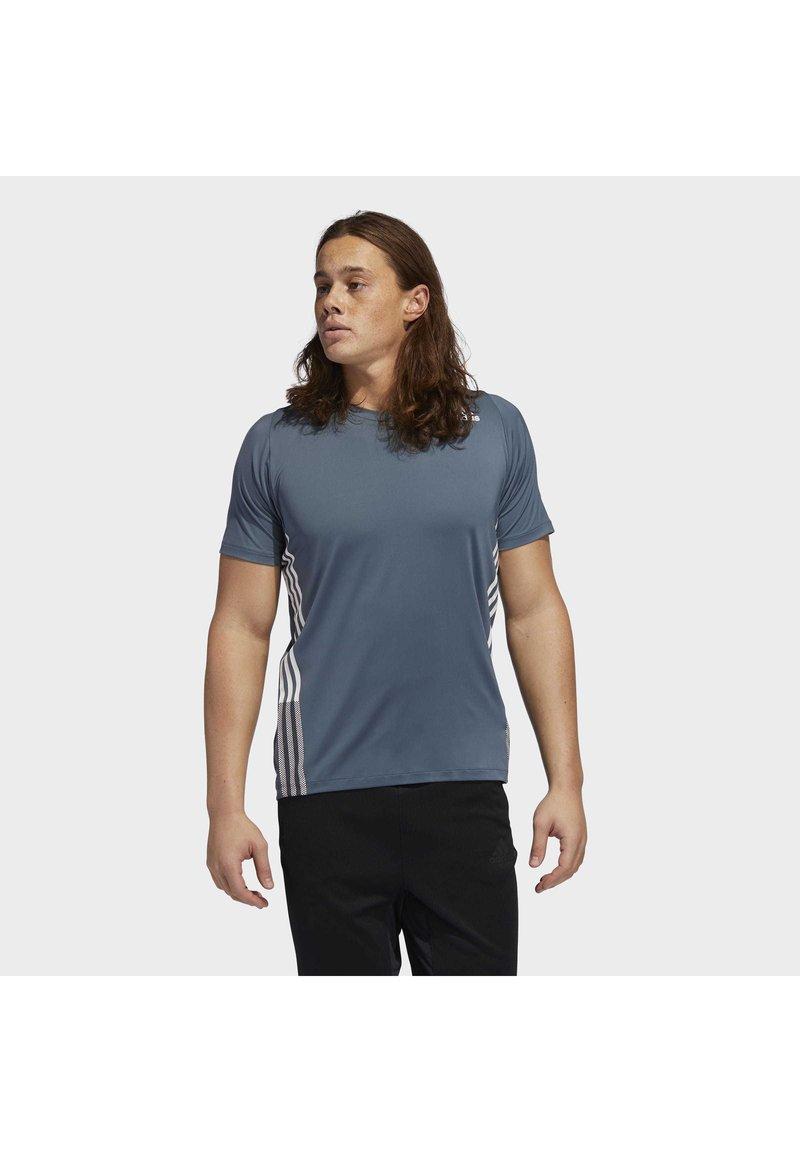 adidas Performance - FREELIFT 3-STRIPES T-SHIRT - Camiseta estampada - green