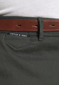 Scotch & Soda - NEW BELTED  - Chinos - charcoal - 4
