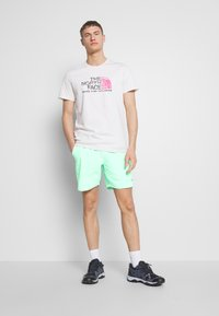 The North Face - MEN'S CLASS PULL ON TRUNK - Outdoorové kraťasy - coastal green - 1