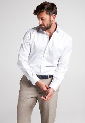 MODERN FIT - Formal shirt - weiß