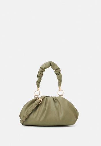 PCPIPPA CROSS BODY - Handbag - ecru olive/gold-coloured