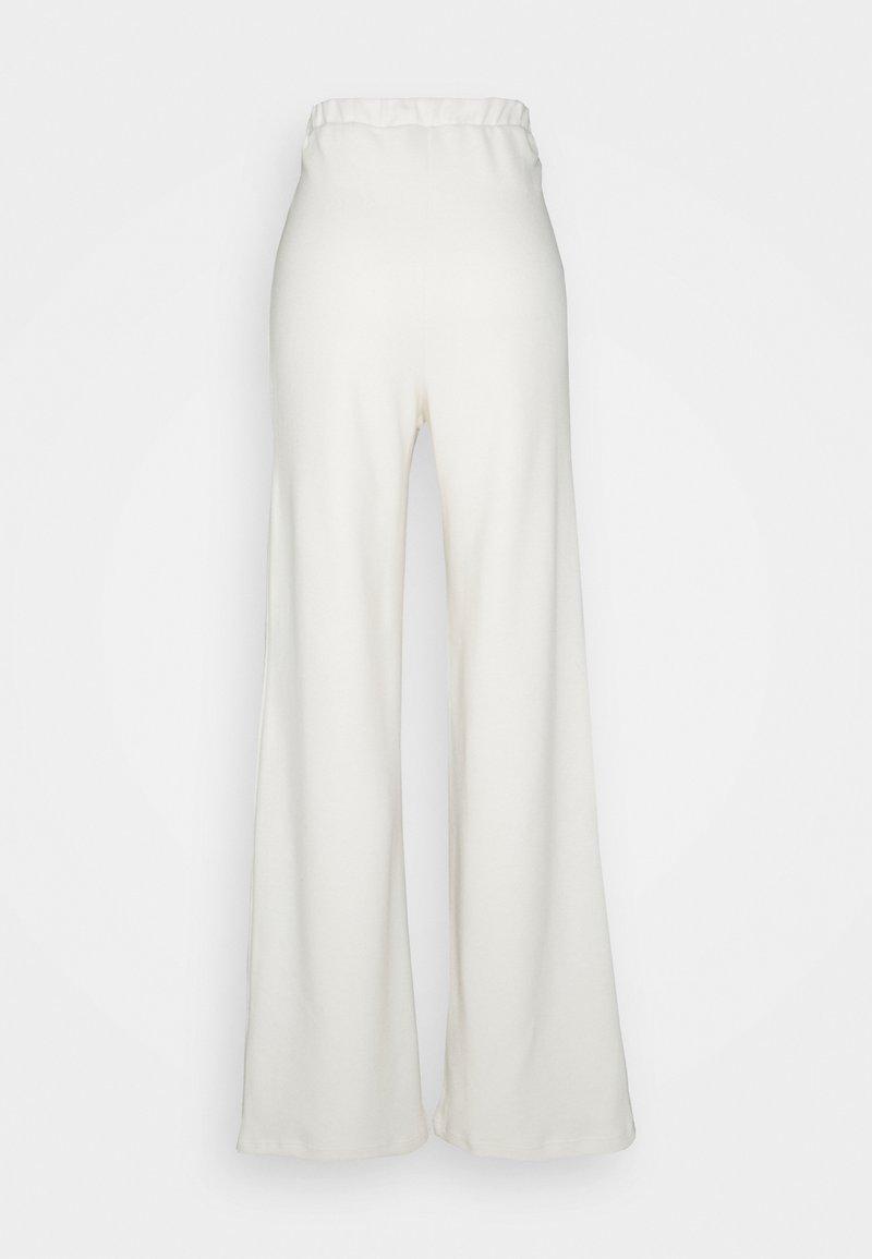 Vero Moda Tall - VMKINSEY PANT - Pantalones - birch