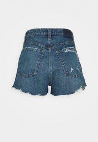Abercrombie & Fitch - MOM CHEWY - Denim shorts - dark-blue denim - 1