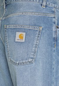 Carhartt WIP - NEWEL PANT MAITLAND - Relaxed fit jeans - blue light used wash - 2