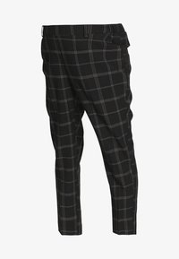 Dorothy Perkins Maternity - MATERNITY GRID CHECK ANKLE GRAZER - Trousers - black - 4