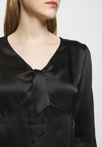 maje - LIFFANY - Long sleeved top - noir - 5