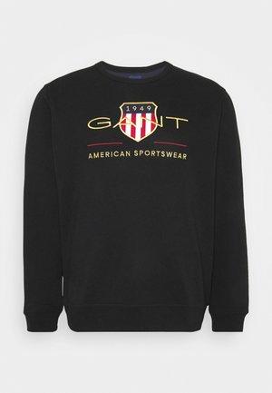 PLUS ARCHIVE SHIELD C NECK - Sweatshirt - black