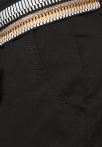 Noppies - EDGEWOOD - Shorts - black - 2