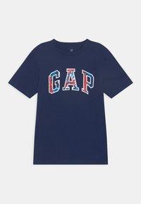 GAP - BOYS LOGO - T-shirt imprimé - elysian blue - 0