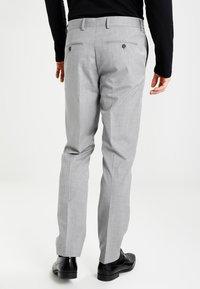 Selected Homme - SHDNEWONE MYLOLOGAN SLIM FIT - Traje - light grey melange - 4