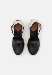 L'Autre Chose - WEDGE - Sandalen met plateauzool - black - 4