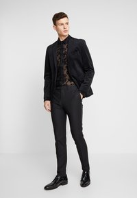 Twisted Tailor - KASH FLORAL SHIRT - Košile - black - 1