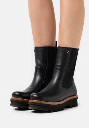 MAGNA IGLOO - Zimní obuv - black