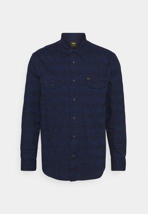 WORKER - Camisa - indigo