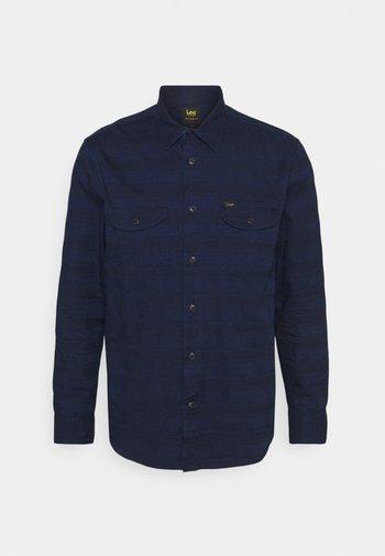 WORKER - Overhemd - indigo