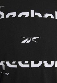 Reebok - TEE - T-shirt imprimé - black - 2