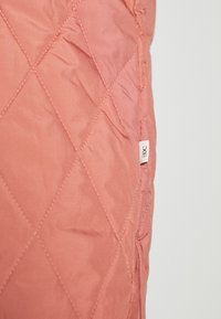edc by Esprit - QUILTED INDOOR - Jas - coral - 5
