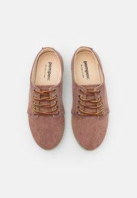 Pompeii - HIGBY UNISEX - Sneakersy niskie - brown/neomint - 3