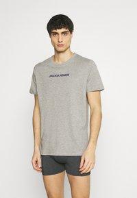 Jack & Jones - JACRAIN TEE 3 PACK - Pyžamový top - maritime blue/gray mist - 3