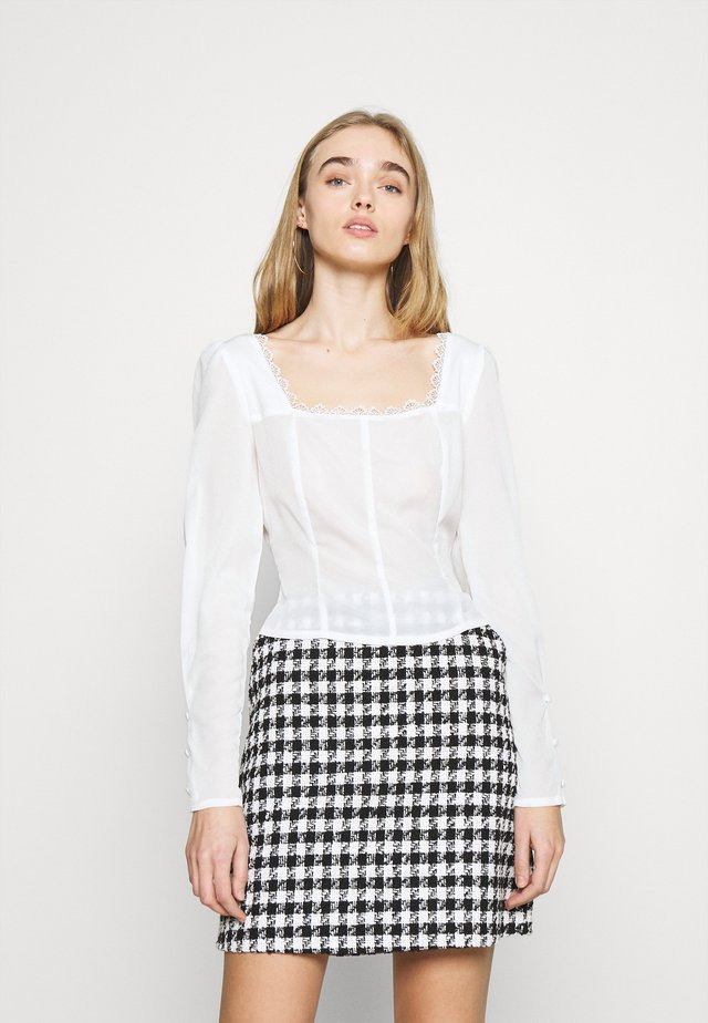LONG SLEEVES SQUARE NECKLINE AND SMOCKED BACK - Pusero - off white