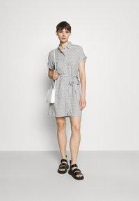 Vero Moda - VMSIMPLY EASY SHIRT DRESS - Shirt dress - navy blazer - 1