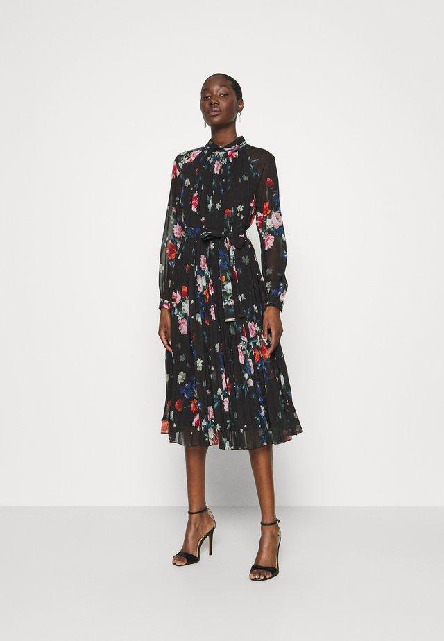 NANIRO - Korte jurk - black